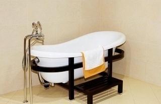 how to clean fiberglass bathtub